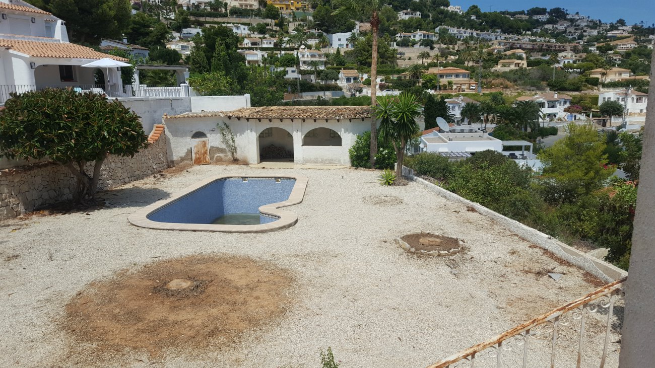 Follow the renovation of this sea view villa in Tossals – Moraira