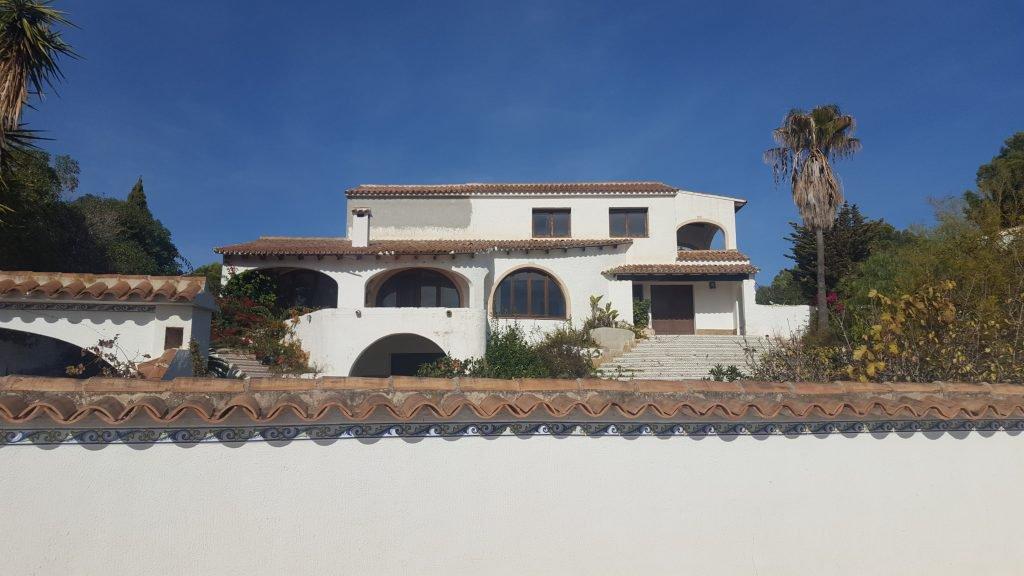 Statige villa in Moraira te koop