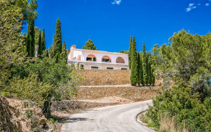 Landhuis met vrij zeezicht in Calpe te koop met splitsbare kavel | Nieuw aanbod week 34 2018