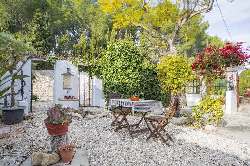 Spaans landhuisje tussen Benissa Moraira Calpe met mooi zeezicht te koop voor slechts € 180.000