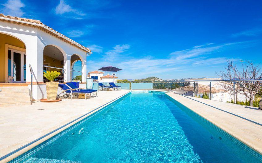 Top villa in Calpe te koop sterk verlaagde prijs