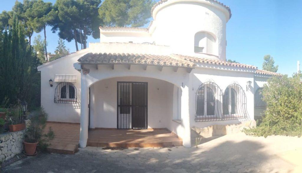 goedkope villa te koop in Moraira