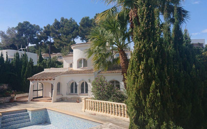 Goedkope villa in Moraira te koop dichtbij het centrum