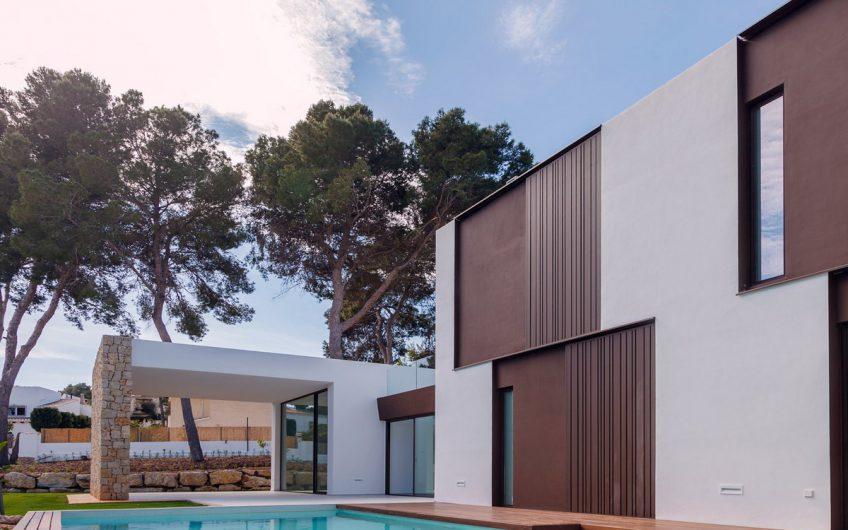 Stijlvolle villa van de hoogste kwaliteit te koop in Moraira