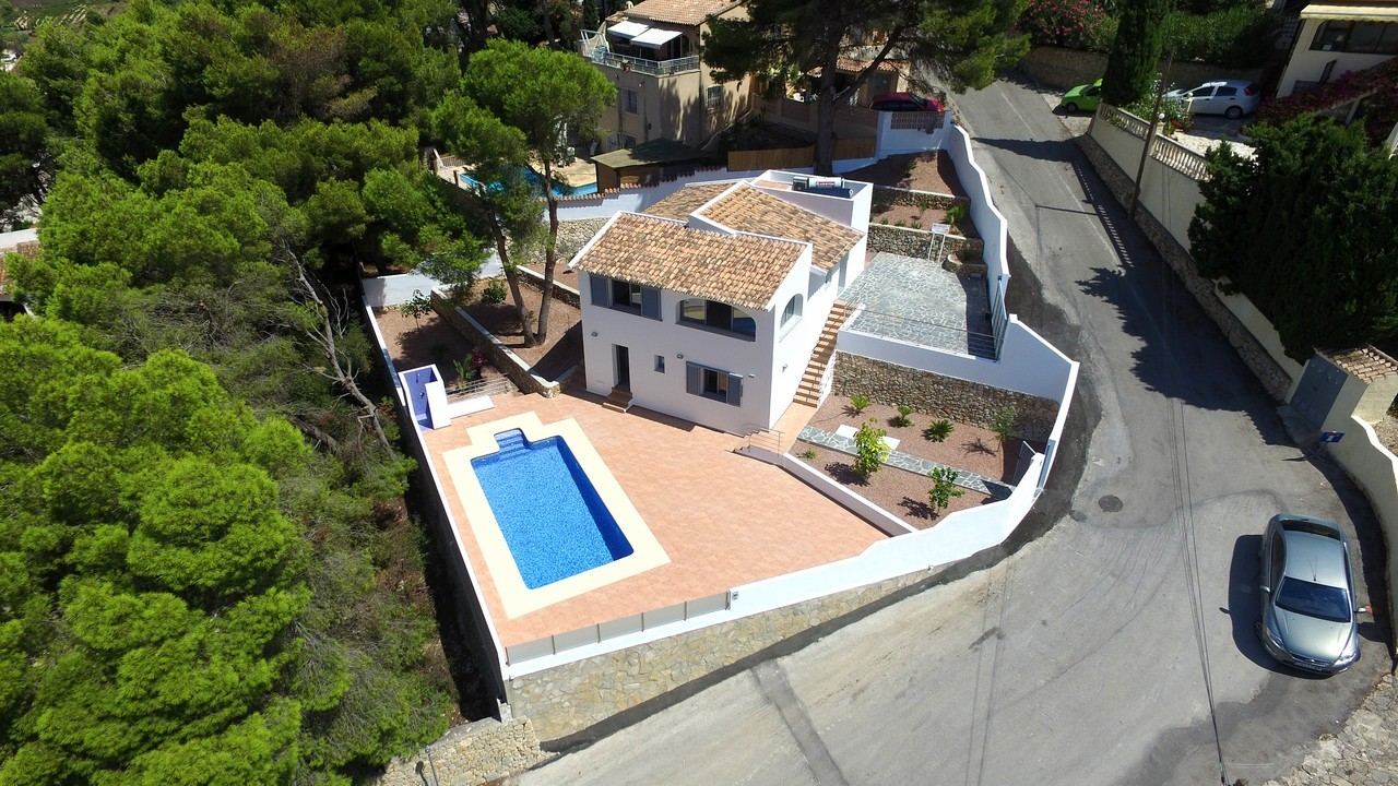 Gerenoveerde villa te koop in Paichi Moraira