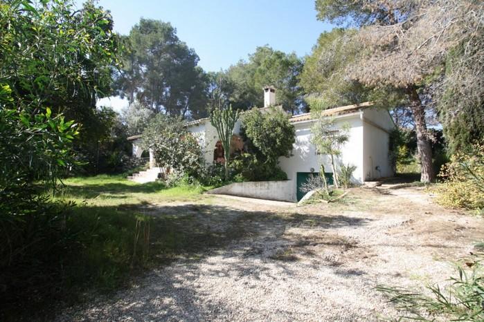 Villa op ruime kavel in Moraira te koop